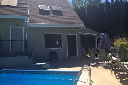 Full cottage-Pool-Lake -Wine-BBQ - Zomerhuis/Cottage