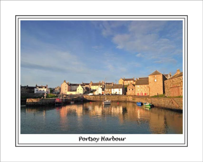 Portsoy Harbour, Walking Distance From Durn House