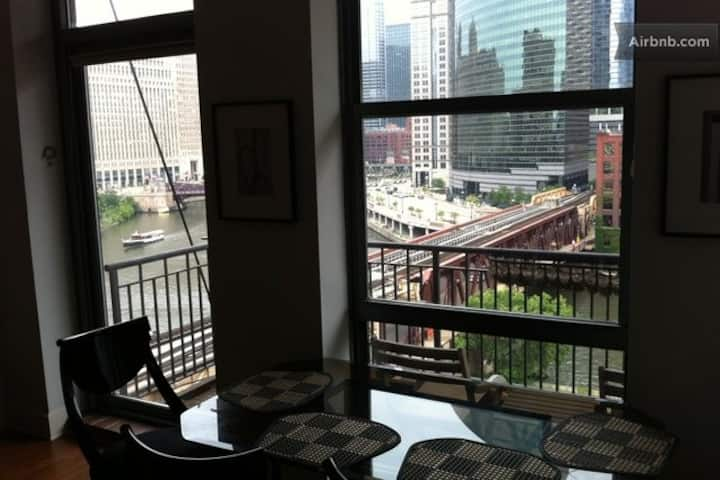 Downtown 3BR/2BA Loft & Amazing River View