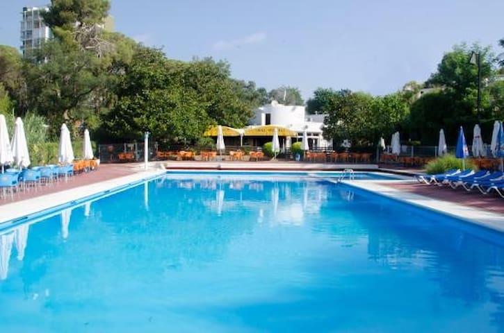 Apartamento zona ideal con piscina, Platja d'aro