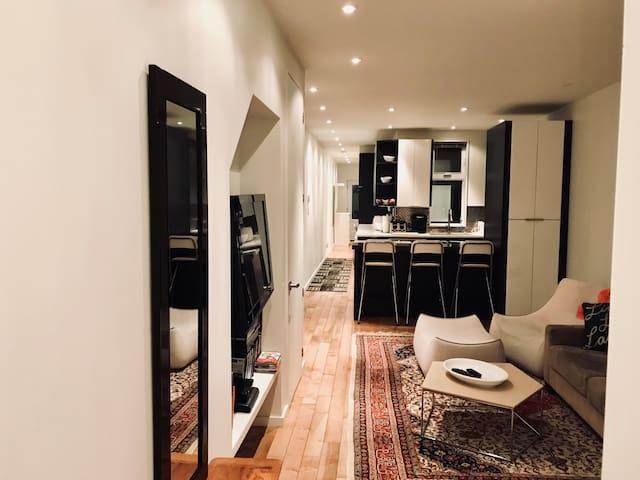 Modern Elegant 2 Bedroom Condo