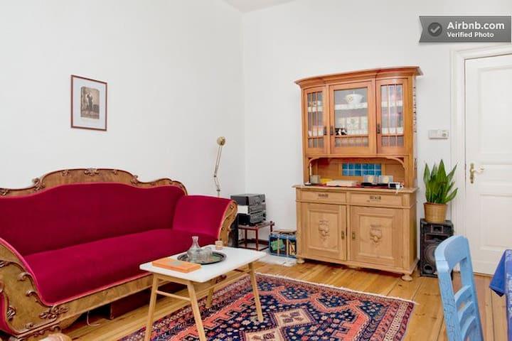 1 Zimmer in ruhiger Wohnung in Prenzlauer Berg