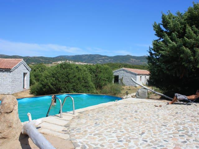 monolocale e piscina vicino al mare - Badesi - Apartament