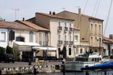 Quayside Apartment in Marseillan - Marseillan - Apartment