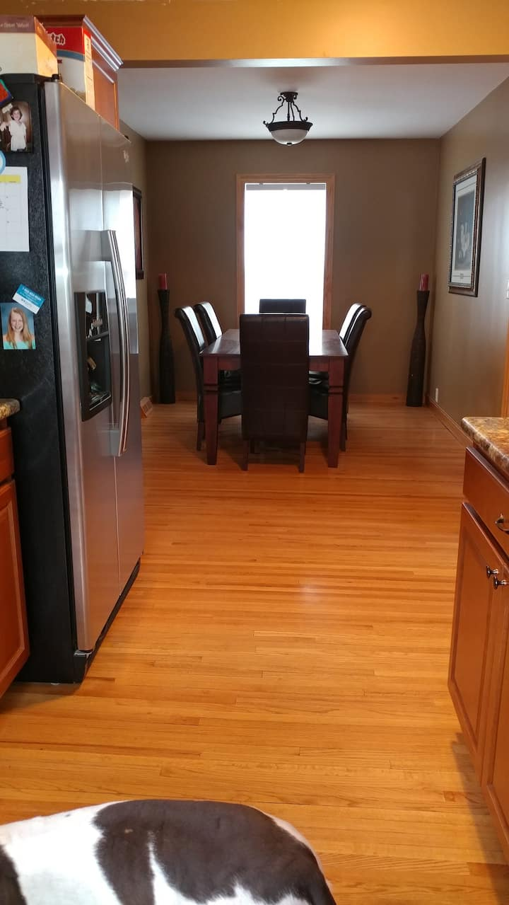 Close to DOWNTOWN Minneapolis and downtown Delano!
