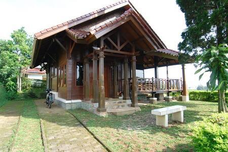 Villa ChavaMinerva Kayu - Ciater Highland Resort