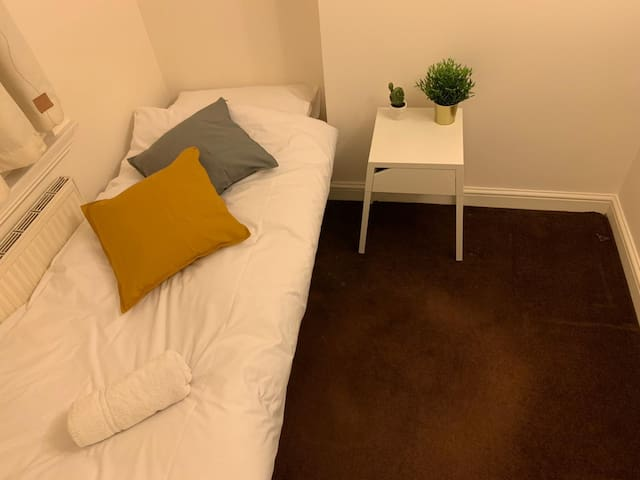 Private Room 3 Min Walk to Kings Cross St Pancrass