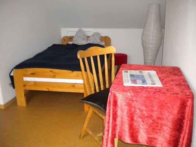 5 Gehminuten zum Zentrum - Flensburg - Haus