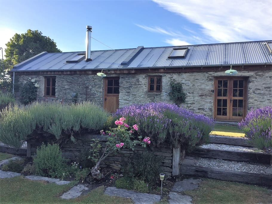 Historic Stone Stables with Kitchen, Lounge, Dining and Laundry plus Bedroom with Ensuite