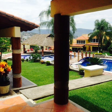 Beatiful, big and exclusive House for vacations - Cuernavaca - House