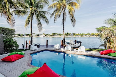 Villa Tuscany - Miami Beach