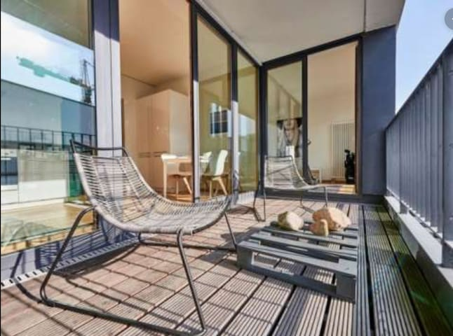 Luxurious HafenCity apartment with large balcony