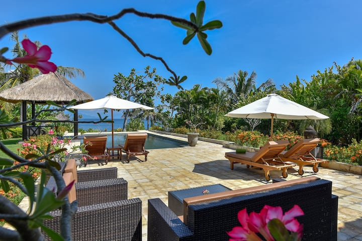 Poolvilla Cantik, Beachfront, Private Cook, Reef