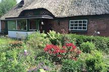 Reetdachhaus mit Sauna, Garten und Wintergarten