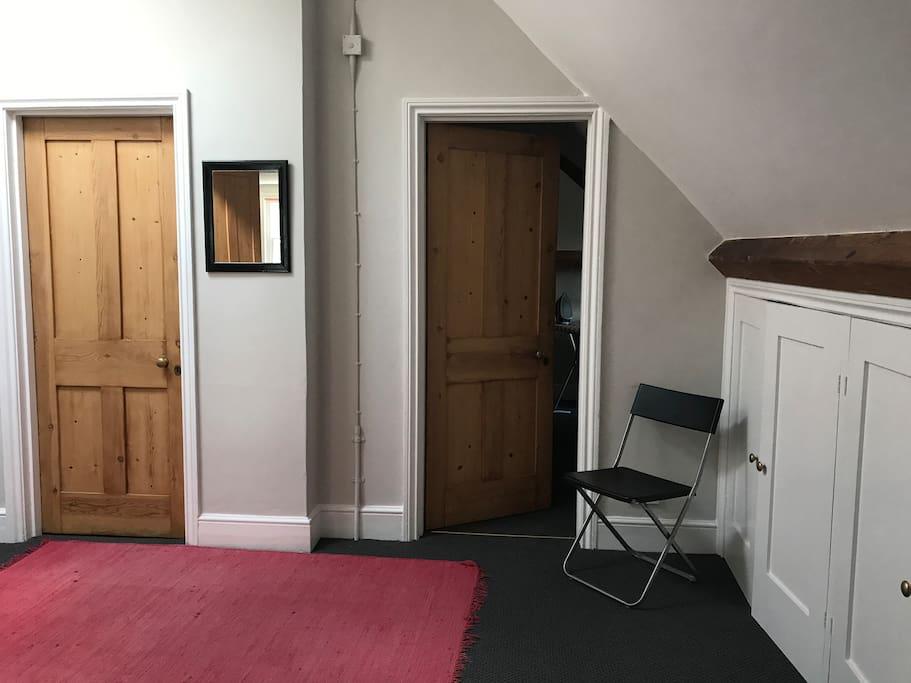 Landing/ dining area