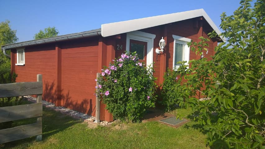 Lovingly, comfortably and with high-quality equipped log cabin with garden