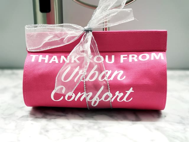 Urban Comfort, Newly Renovated.