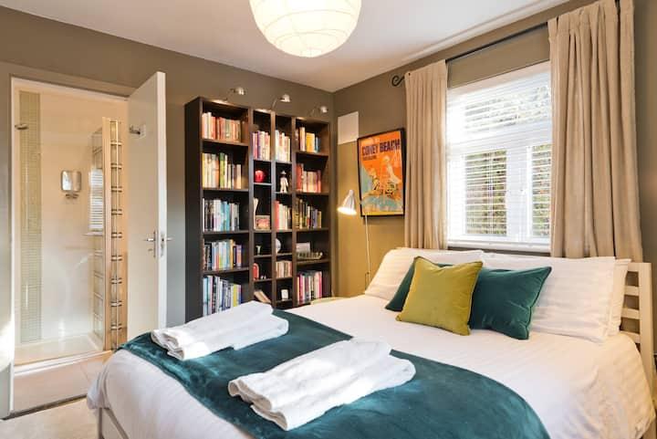 Private En-suite Room Near RDS & Aviva Stadium