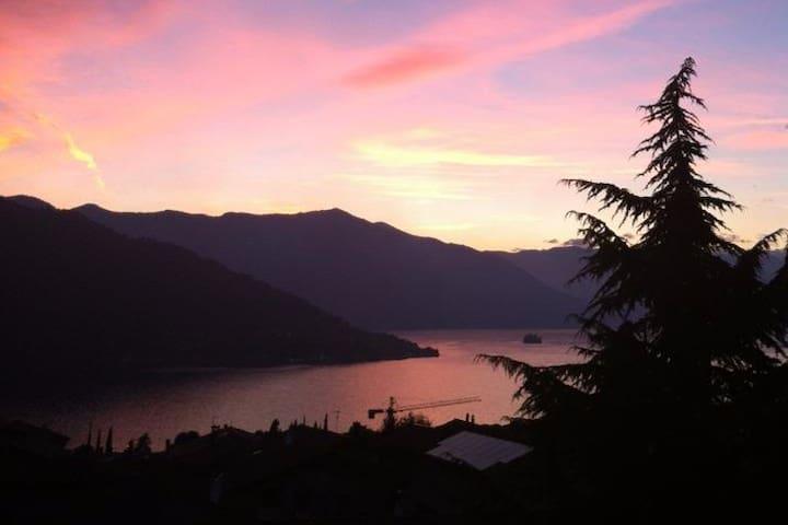 Lago d'Iseo - Casa Intera - Sale Marasino - Apartamento