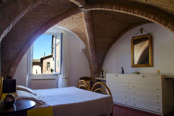 Camera matrimoniale con possibilità di 2 letti songoli