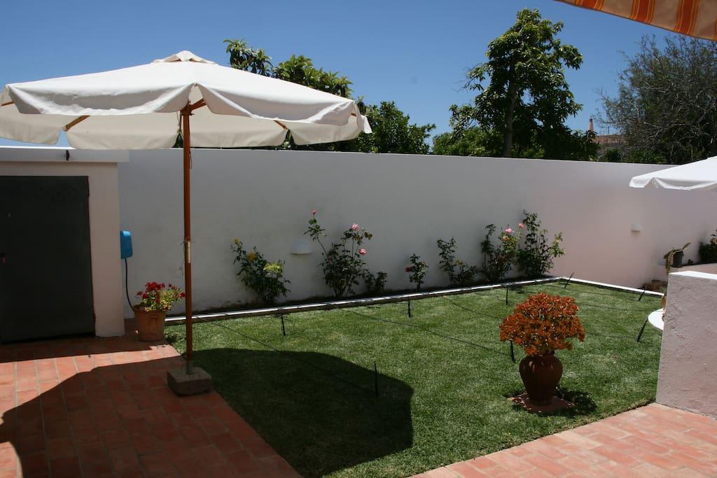 Jardim (junto à cozinha)