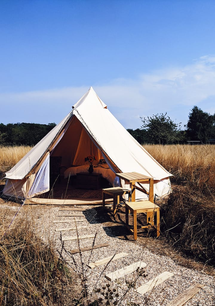 Wild Glamping with a Kent Downs View