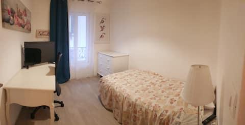 Chambre avec sdb 1 personne (frigo/micro onde)