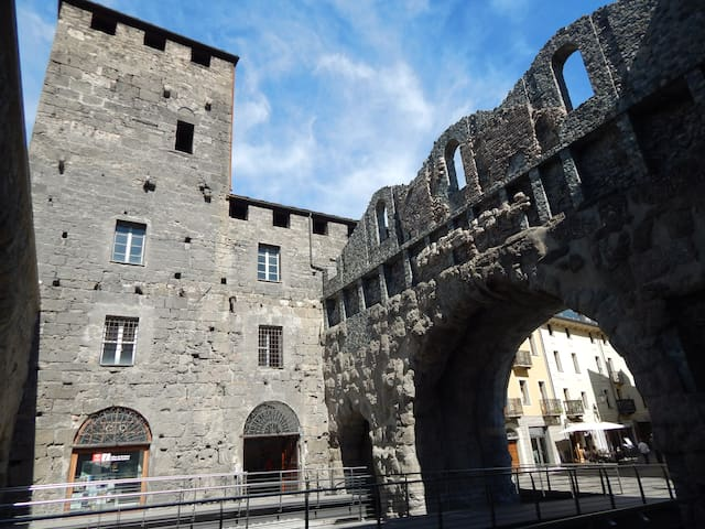PAOLO'S APPARTMENT- AOSTA PRAETORIA-