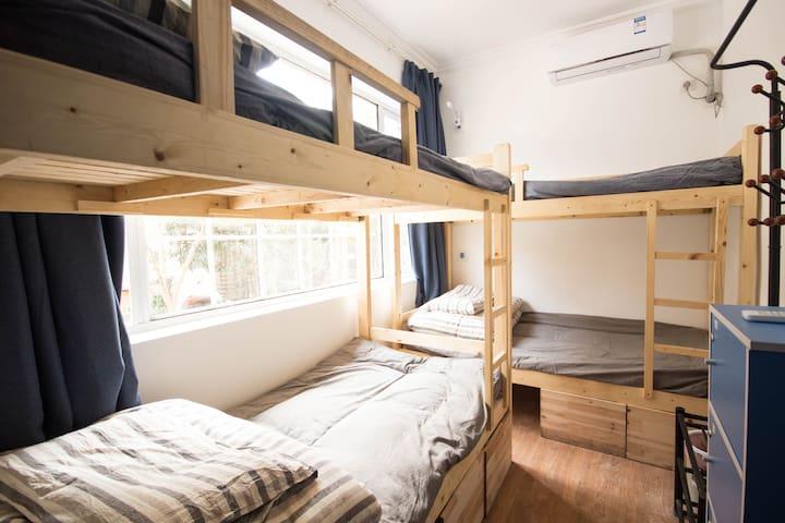1个床位·西湖苏堤边背包旅行沙发客实惠4人床位房-栖息地