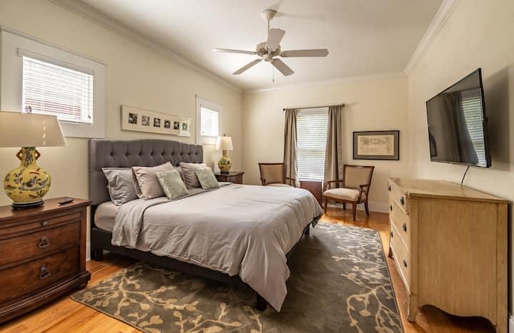 Jasmine Room with Private Bath
