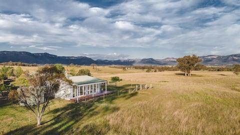 Red Stone Retreat, Glen Alice
