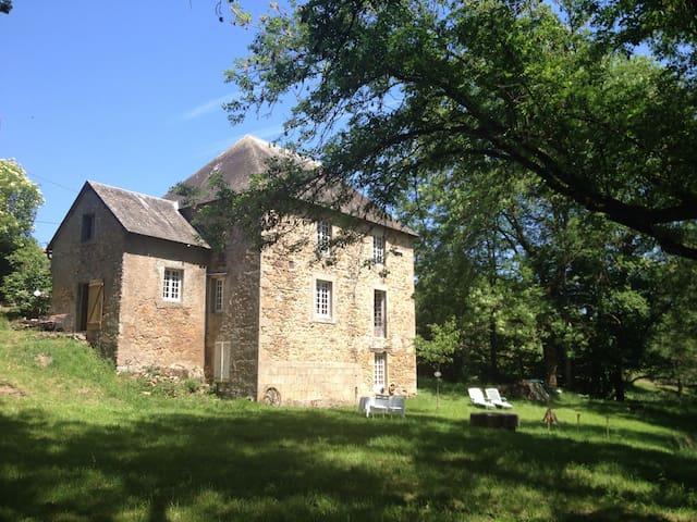 'Moulin du Reuil' Bourgogne, Morvan - La Grande-Verrière - ที่พักพร้อมอาหารเช้า