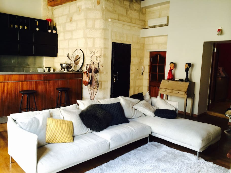 appartement intra muros avignon appartements louer. Black Bedroom Furniture Sets. Home Design Ideas