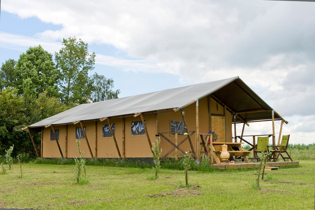 The big safari tent sleeps 6