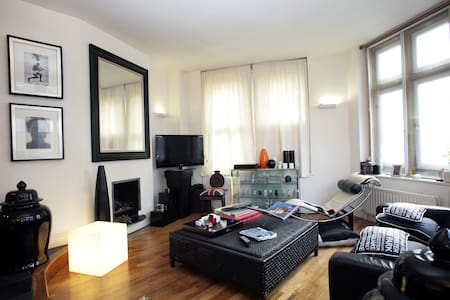 SOHO W1/2 THEATRELAND DESIGNER FLAT - London - Apartment
