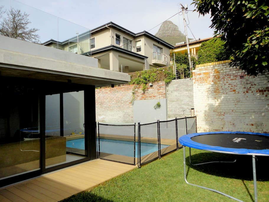pool, garden, trampoline, jungle gym, climbing ladder and day bed