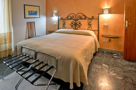B&B Su Cantaru room n° 3 - Villanova Monteleone - Bed & Breakfast