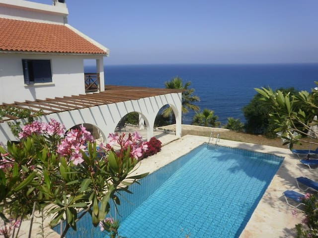 Villa Panorama. Great views & Pool - Pomos