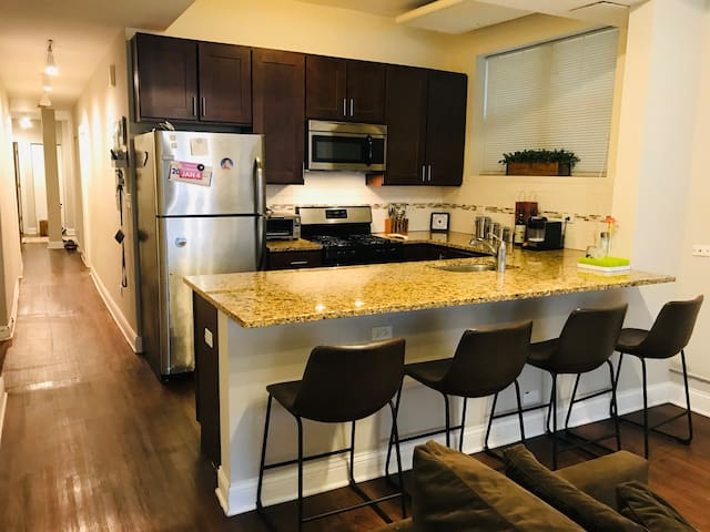 Modern, Spacious, 3BR Apt at a Great Price!!