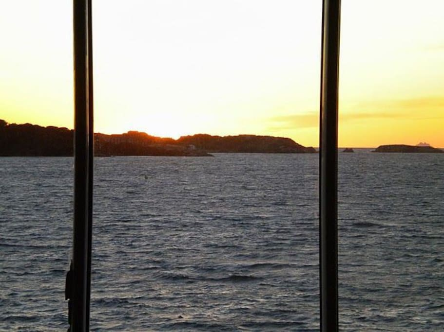 Vue sur l'île des Embiez