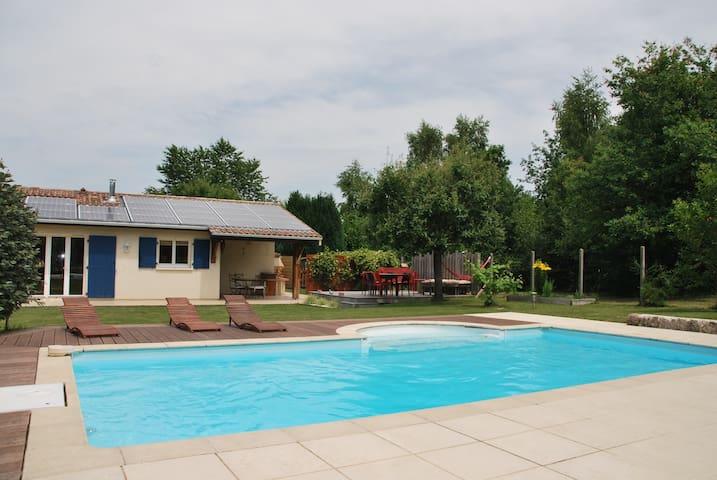 Villa au calme à 15 min de Bordeaux - Quinsac - Ev