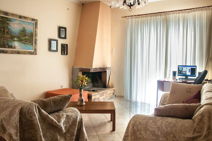 Cozy Flat in Ancient Olympia Area  - Kréstena - Apartment
