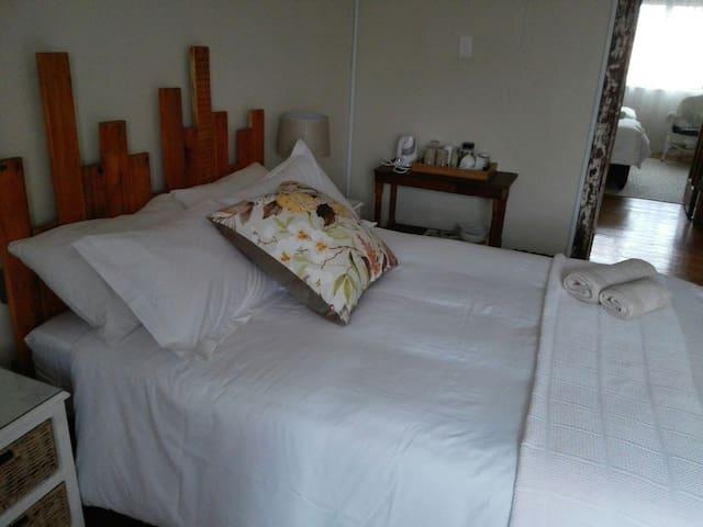 Lemonwood Cottage (Room 2)