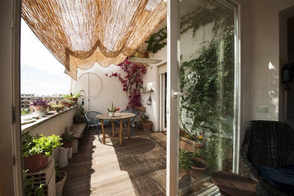 Attico sui tetti al pigneto appartamenti in affitto a - Finestre sui tetti ...