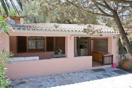 Il Mirto is a charming and spacious 80 sqm semi detached villetta, very well and comfortably furnished. The covered terrace with dining table and sitting corner and garden with deckchairs double your living space