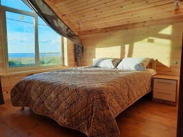 Спальня№1 с видом на Селигер