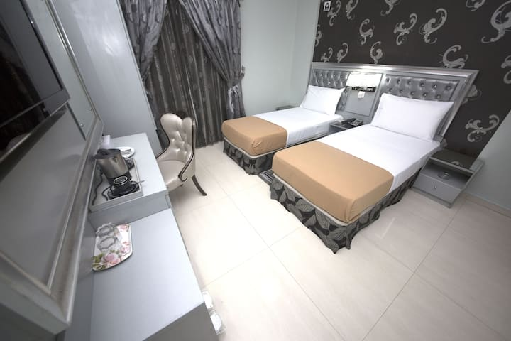 Single Room | White Fort | Shoppers Stop