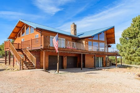 Red Canyon Lodge - Sleeps 22 - Summit - Zomerhuis/Cottage
