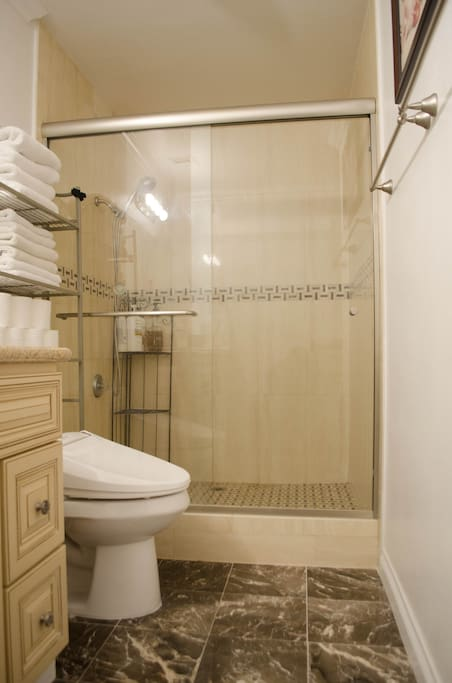 Private bathroom for bedroom 1