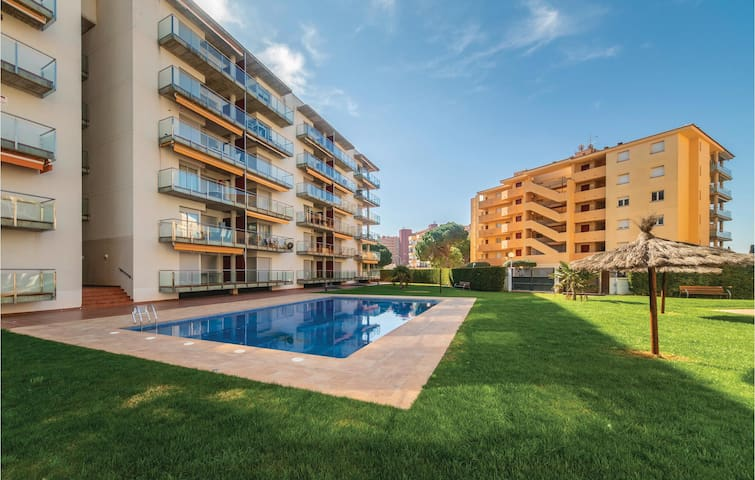 Holiday apartment with 2 bedrooms on 54m² in Roses